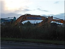 SU5068 : Excavators by Tull Way, Thatcham by David Howard