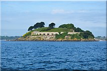 SX4752 : Drake's Island Battery by N Chadwick