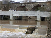 SP3065 : Milverton viaduct, Princes Drive bridge and weir in the River Leam, Leamington by Rudi Winter