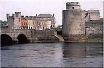 R5757 : King John's Castle, Limerick by D Johnston