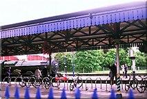 SU7875 : Twyford Station by Rosalind Mitchell