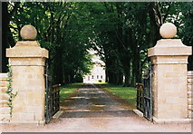SD7440 : Gateway to Standen Hall by Mike and Kirsty Grundy