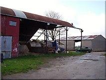 SO5143 : Farmyard, Lyde Cross. by Richard Webb
