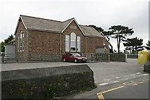 SW7033 : Halwin Primary School by Tony Atkin