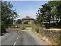 SE1229 : The Lion Gate, Stanage Lane, Shelf by Humphrey Bolton