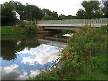 TQ5140 : Chafford Bridge over the River Medway by Nikki Mahadevan