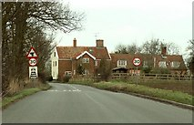 TM2565 : The approach to a road junction at Saxtead Little Green by Robert Edwards