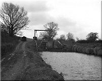 SU3067 : Froxfield Middle Lock No 69, Kennet and Avon Canal by Dr Neil Clifton