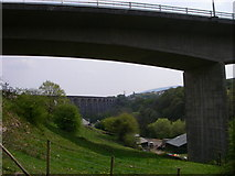 SO0207 : Viaducts old and new near Merthyr Tydfil by Alan Bowring