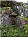 R6440 : Old Limekiln by deiseal