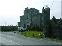 R5053 : Gate Lodge by Russ Davies