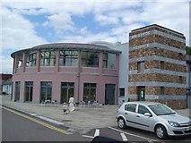 Q8017 : Ballyroe Heights Hotel by Raymond Norris