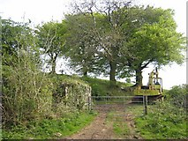 G9311 : Farm machinery and gateway at Crosshill by Oliver Dixon