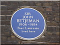 Photo of John Betjeman blue plaque