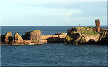 NT6779 : The entrance to Dunbar Harbour by Walter Baxter