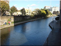 TQ3283 : Regent's Canal from New North Road by Oxyman