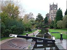SO8276 : Kidderminster Lock, canal and St Mary's Church by Roger  Kidd