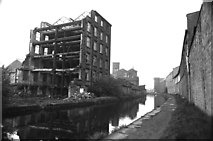 SE1115 : Mills to dust, Milnsbridge by Chris Allen