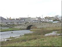 SH3568 : The tidal Afon Ffraw below the Old Bridge by Eric Jones