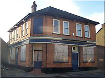 TQ7369 : The Red Lion Public House, Strood by David Anstiss
