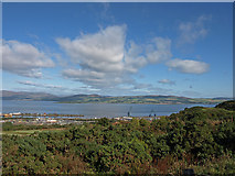 NS3074 : Knocknairshill, Lillybank, Port Glasgow by wfmillar