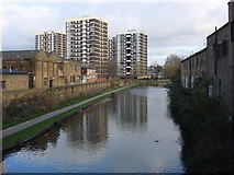 TQ3283 : Regent's Canal from Bridport Place by Oxyman