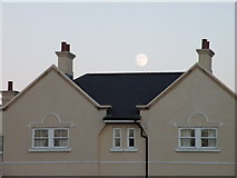 TL4658 : Moonrise, St Matthews Gardens by Keith Edkins