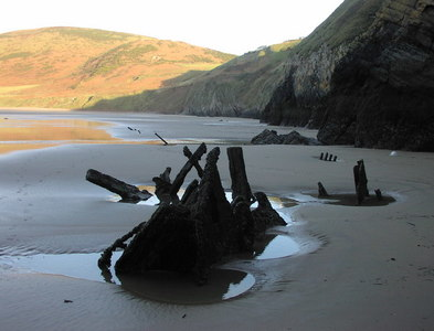 SS4087 : The Vennerne Shipwreck at the foot of Rhossili Cliffs by Joe Gatley
