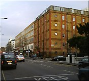 TQ2677 : St Stephens Centre Chelsea and Westminster Hospital Fulham Road by PAUL FARMER