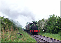 SU1091 : Train on Swindon & Cricklade Railway's northern extension by Chris Randall