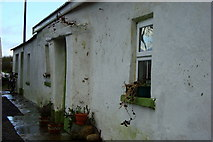 G8780 : Cottage with Porch: Drumnalost by louise price