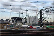 TQ3783 : Building the 2012 Olympic Stadium by N Chadwick