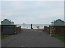 TQ2704 : Towards Hove Beach by Simon Carey