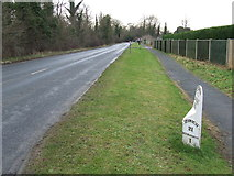 TM3863 : Old Cast Iron Milepost by Keith Evans