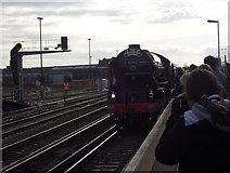 SU4519 : Steam Locomotive arriving at Eastleigh Railway Station by peter clayton