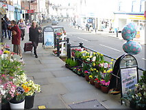 TQ1649 : The Pavement, Dorking High Street by Colin Smith