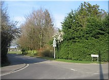SU6050 : Access road for Stratton Park by Given Up