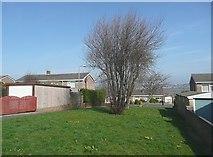 SE1421 : Green strip off Wherwell Road, Rastrick by Humphrey Bolton