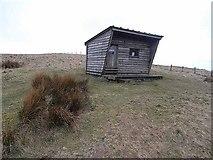 NT8012 : Mountain refuge hut on Yearning Saddle by Oliver Dixon