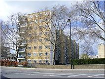 TQ2977 : Shelley House, Churchill Gardens Estate by PAUL FARMER