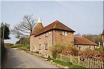 TQ6226 : Fair Oak Farm Oast, Witherenden Rd by N Chadwick