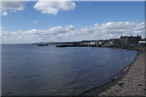 NO4630 : Broughty Ferry Waterfront by Karen Vernon