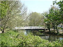 TR1558 : Footbridge at Kingsmead over the Great Stour. by pam fray