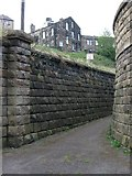 SE0641 : Keighley - footpath off Low Mill Lane by Dave Bevis