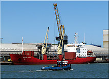 J3576 : Ship and tug at Belfast by Rossographer