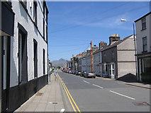 SH5638 : Heol Newydd in Porthmadog by John Firth