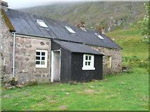 NH0680 : Shenavall Bothy by David Brown