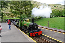 NY1700 : The River Irt pulls into Dalegarth Station by N Chadwick