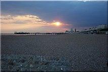 TQ3103 : Summer evening Brighton beach by Paul Gillett