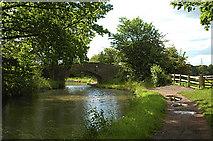SO8785 : Middle Bridge on the Stourbridge Canal by Row17